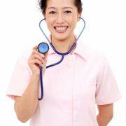 看護師と聴診器