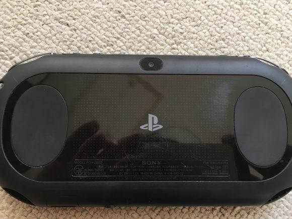 PS Vita本体の裏側